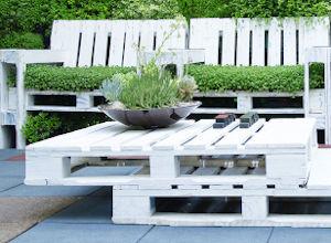 garden-furniture-with-pallets-300x220.jpg