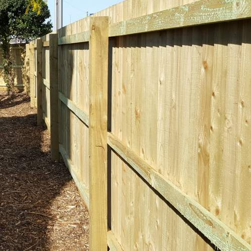 1001002400Green  Wooden Fence Posts 100 X 100 X 2400mm 2
