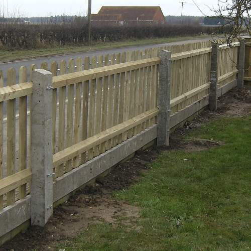1101251800Concrete2Recessed--Recessed-Concrete-Fence-Post-Intermediate-4.JPG