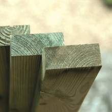 0471001800Green--Wooden-Gate-Post-47-x--100-x-1800-Pale-Green-Natural.jpg