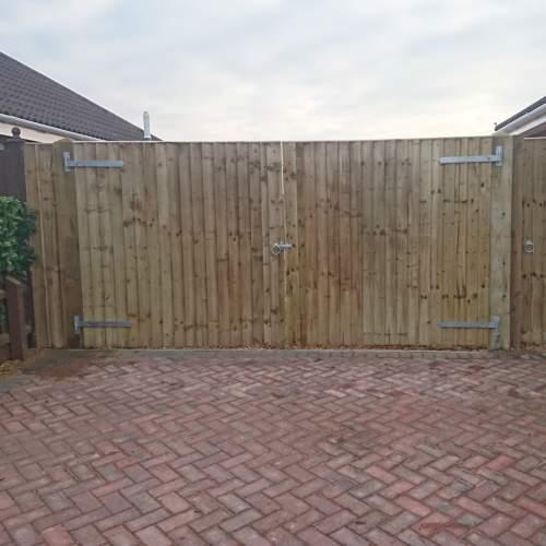 18000900GateGreenFEB--Wooden-Gate-Closeboard-2.jpg
