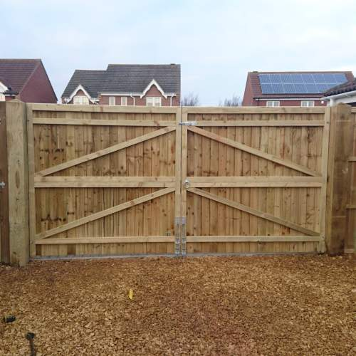 18000900GateGreenFEB--Wooden-Gate-Closeboard-3.jpg