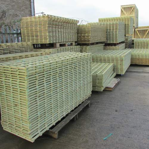 Trellis18301830Green--Heavy-Duty-Trellis-Panel---Square-Lattice-1.83-x-1.83m-1.jpg